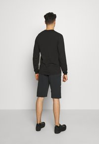 Zimtstern - TAURUZ EVO SHORT MENS - Sports shorts - pirate black/gun metal - 2