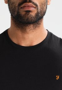 Farah - DENNY SLIM FIT - T-shirt basique - black - 3