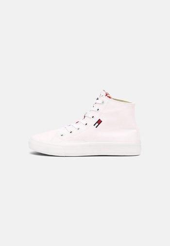 MID CUT VULC - Sneakers alte - white