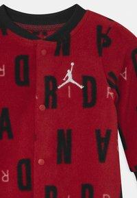 Jordan - JORDAN UNISEX - Jumpsuit - gym red - 2