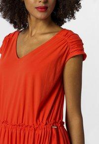 Apart - Robe d'été - orange - 3