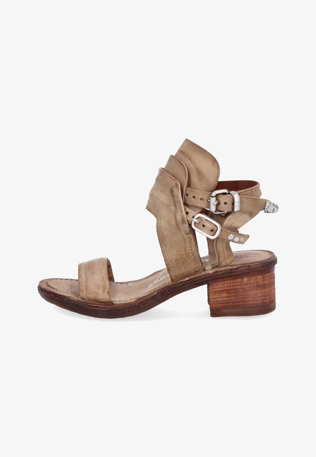 Sandales classiques / Spartiates - africa