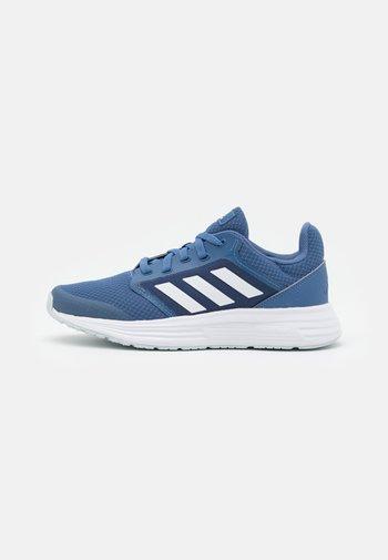 GALAXY 5 - Zapatillas de running neutras - crew blue/footwear white/halo blue