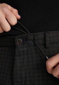 JOOP! Jeans - MAXTON3-W - Trousers - schwarz gemustert - 6