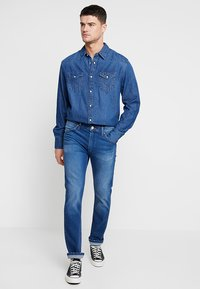 Wrangler - Shirt - blue denim - 1