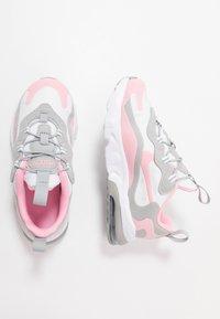 Nike Sportswear - AIR MAX 270 RT - Sneakers basse - white/pink/light smoke/grey/metallic silver - 0