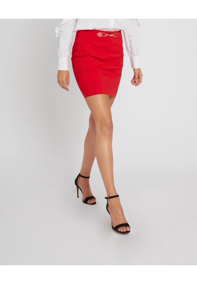 Morgan - A-line skirt - red