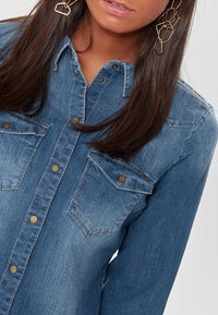 ONLY - RAW - Camisa - medium blue denim - 3