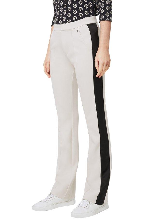 YLVI - Pantalon classique - ecru