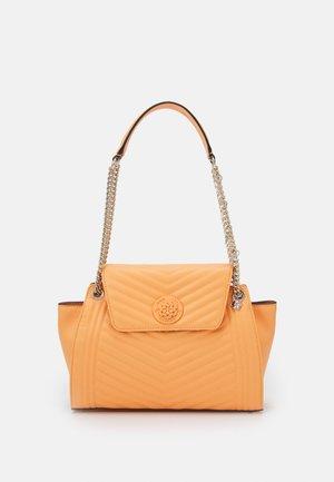 LIDA CONVERTABLE SHOULDER SATCHEL - Handbag - apricot