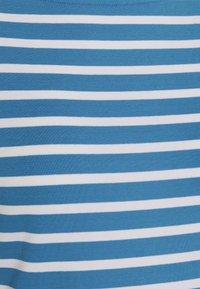Lauren Ralph Lauren - T-shirt z nadrukiem - captain blue/white - 5