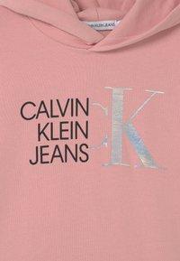 Calvin Klein Jeans - HYBRID LOGO HOODIE - Sweat à capuche - pink - 2