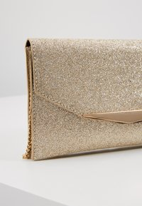 Dorothy Perkins - BAR GLITTER - Clutch - gold - 6
