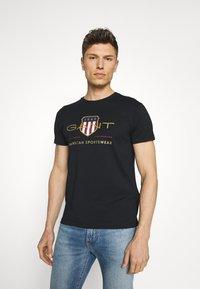 GANT - ARCHIVE SHIELD - T-shirt med print - black - 0