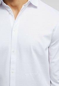 KARL LAGERFELD - Camicia elegante - white - 4