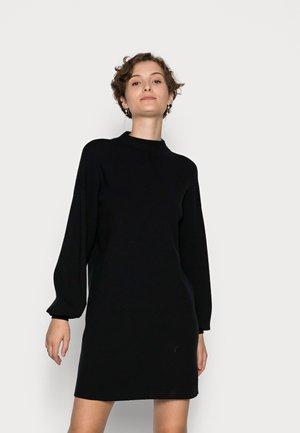 VMNANCY FUNNELNECK DRESS  - Pletené šaty - black