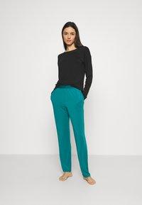 Calvin Klein Underwear - SLEEP PANT - Pyjama bottoms - turtle bay - 1
