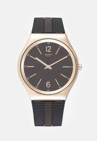 Swatch - BIENNE BY NIGHT - Reloj - brown - 0