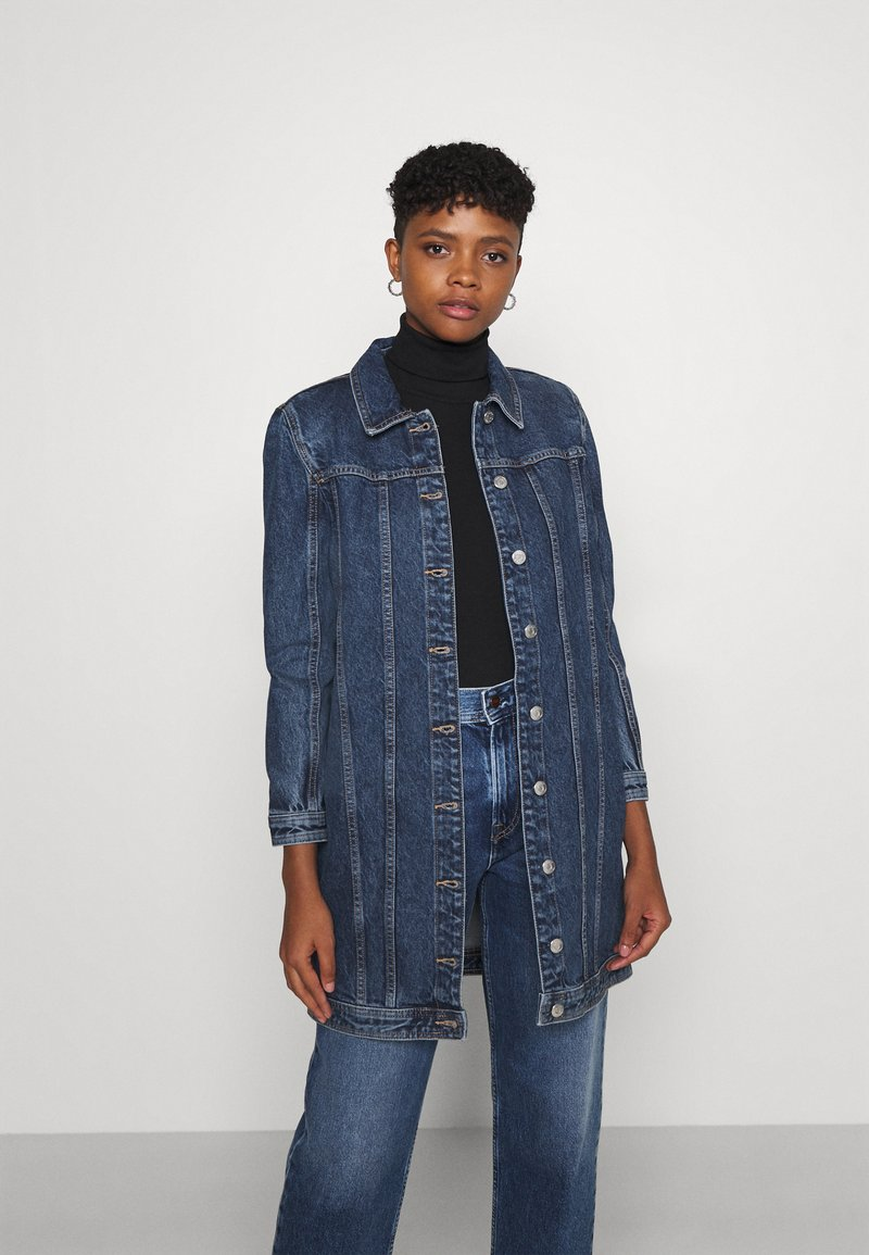 ONLY - ONLSMITH PADDED - Short coat - light blue denim