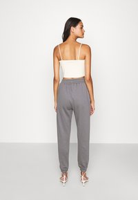 Missguided - BASIC JOGGER - Joggebukse - dark grey - 2