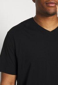 Johnny Bigg - ESSENTIAL V NECK TEE - Basic T-shirt - black - 4