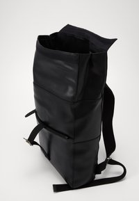 Pier One - UNISEX LEATHER - Rucksack - black - 4