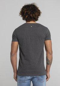 Liger - LIMITED TO 360 PIECES - Basic T-shirt - dark heather grey melange - 2