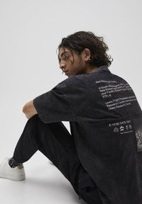 PULL&BEAR - T-shirt con stampa - mottled grey - 4