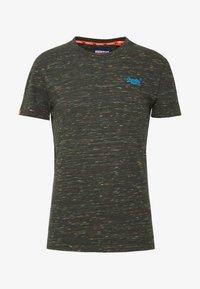 Jednoduché triko - desert drab space dye