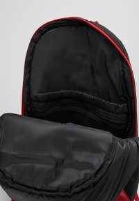 Jordan - RETRO 13 PACK - Rucksack - black/gym red - 4