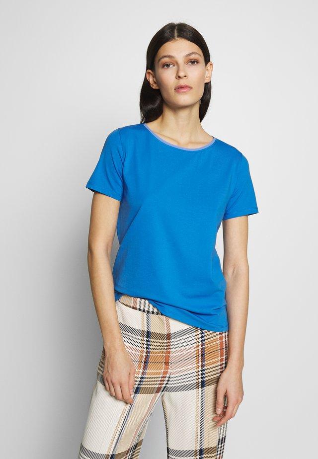Basic T-shirt - lichtblau