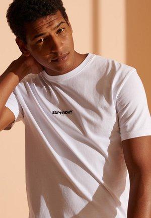 MICRO LOGO BOX FIT - Camiseta estampada - optic