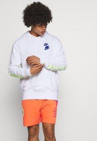 Nike Sportswear - HOODIE - Luvtröja - white - 0