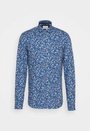 PRINTED CONTRAST SLIM SHIRT - Skjorter - blue