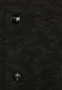 Emporio Armani - Kevyt takki - black - 8