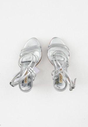 Sandales à talons hauts - grey