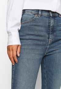Dr.Denim Petite - MOXY  - Flared Jeans - eastcoast blue - 6