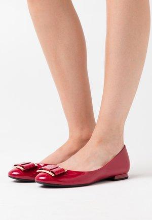 Ballerina - cherry