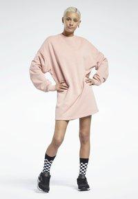 Reebok Classic - Sukienka letnia - pink - 0