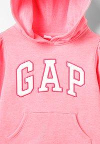 GAP - TODDLER GIRL ARCH POP  - Mikina skapucí - pink pop neon - 2