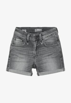 MILENA - Denim shorts - hegna wash