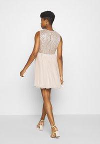 Vero Moda - VMMADDIE SHORT DRESS - Vestido de cóctel - off white - 2