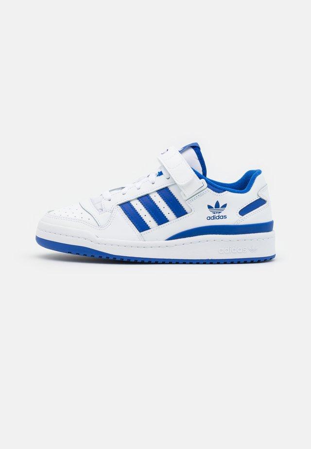 FORUM UNISEX - Sneakers - white