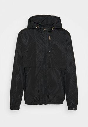REGIO WINDRUNNER - Lehká bunda - black