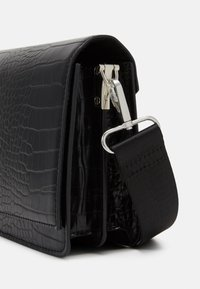 Gina Tricot - PHOEBE BAG - Across body bag - black - 3