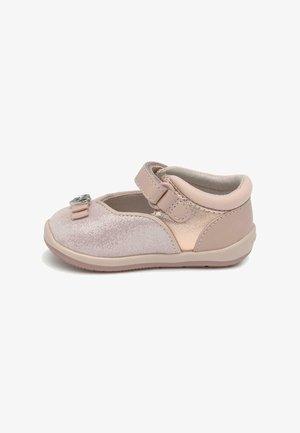 Zapatos de bebé - rosa