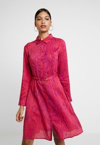 Fabienne Chapot - HAYLEY TIPSY DRESS - Blusenkleid - deep fuchsia/purple - 0