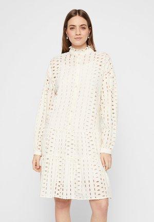 MIDIKLEID LOCHSTICKEREI - Shirt dress - whitecap grey