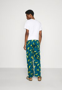 Lousy Livin Underwear - BATHROBE PYJAMA PANTS BANANAS SET - Župan - blue - 4