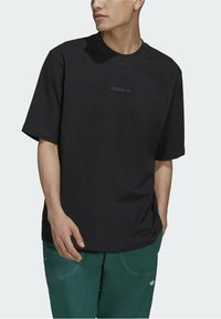 adidas Originals - RIB DETAIL - Basic T-shirt - black - 3